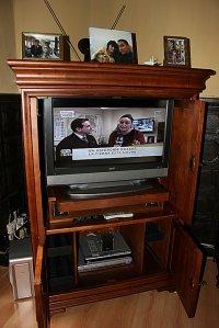 telewizor w szafie